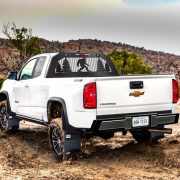 2018-Chevrolet-Colorado-ZR2-exterior-035-off-roadWithProduct